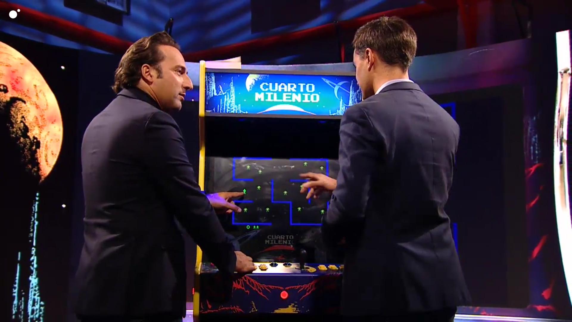 Iker Jiménez juega en Retroarcade: la nueva sección de Cuarto Milenio